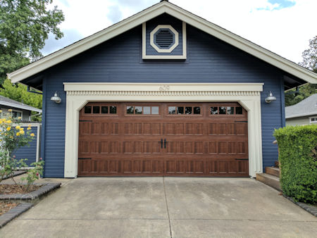 wooden_garage_doors
