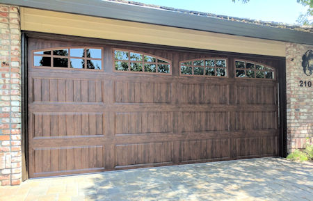 carrige_syle_garage_door