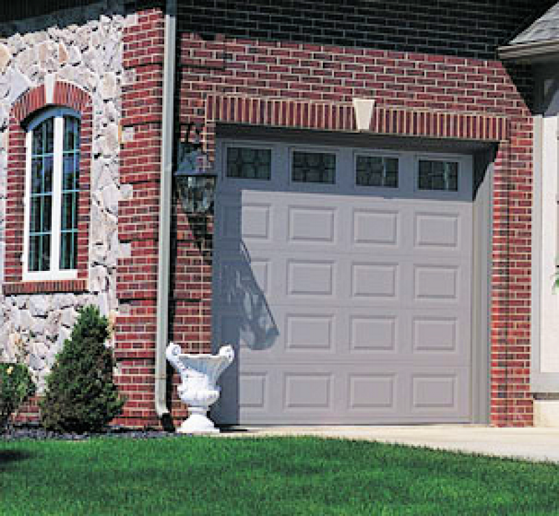 How to Save Money when You Buy Garage Doors