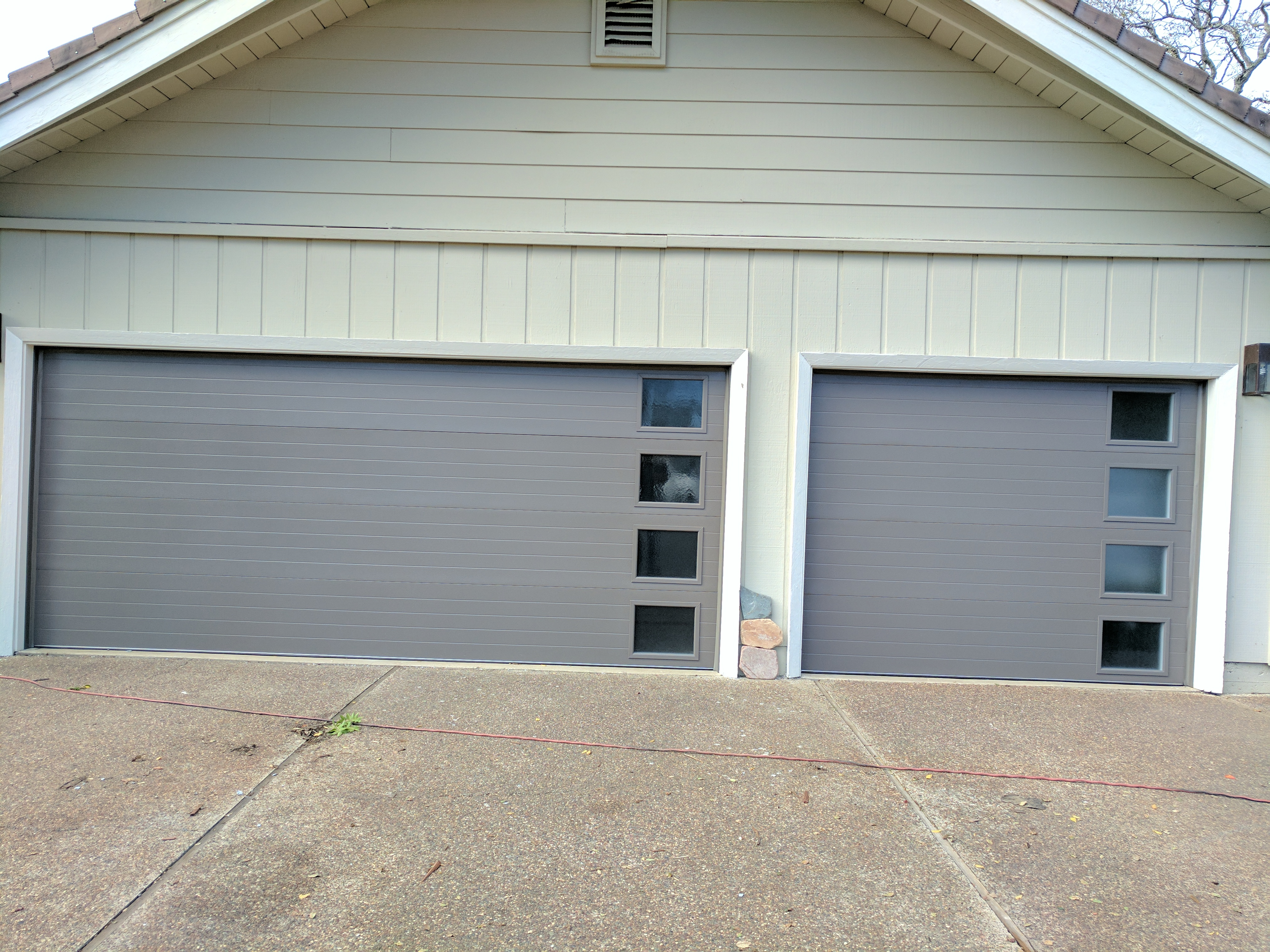 garage door with windows on the side