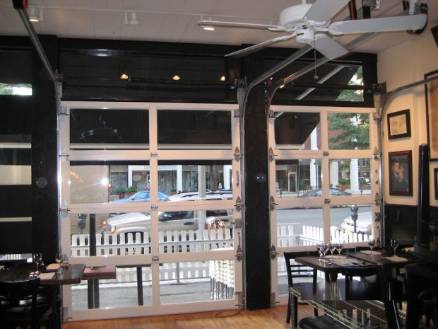 glass_restaurant_garage_door