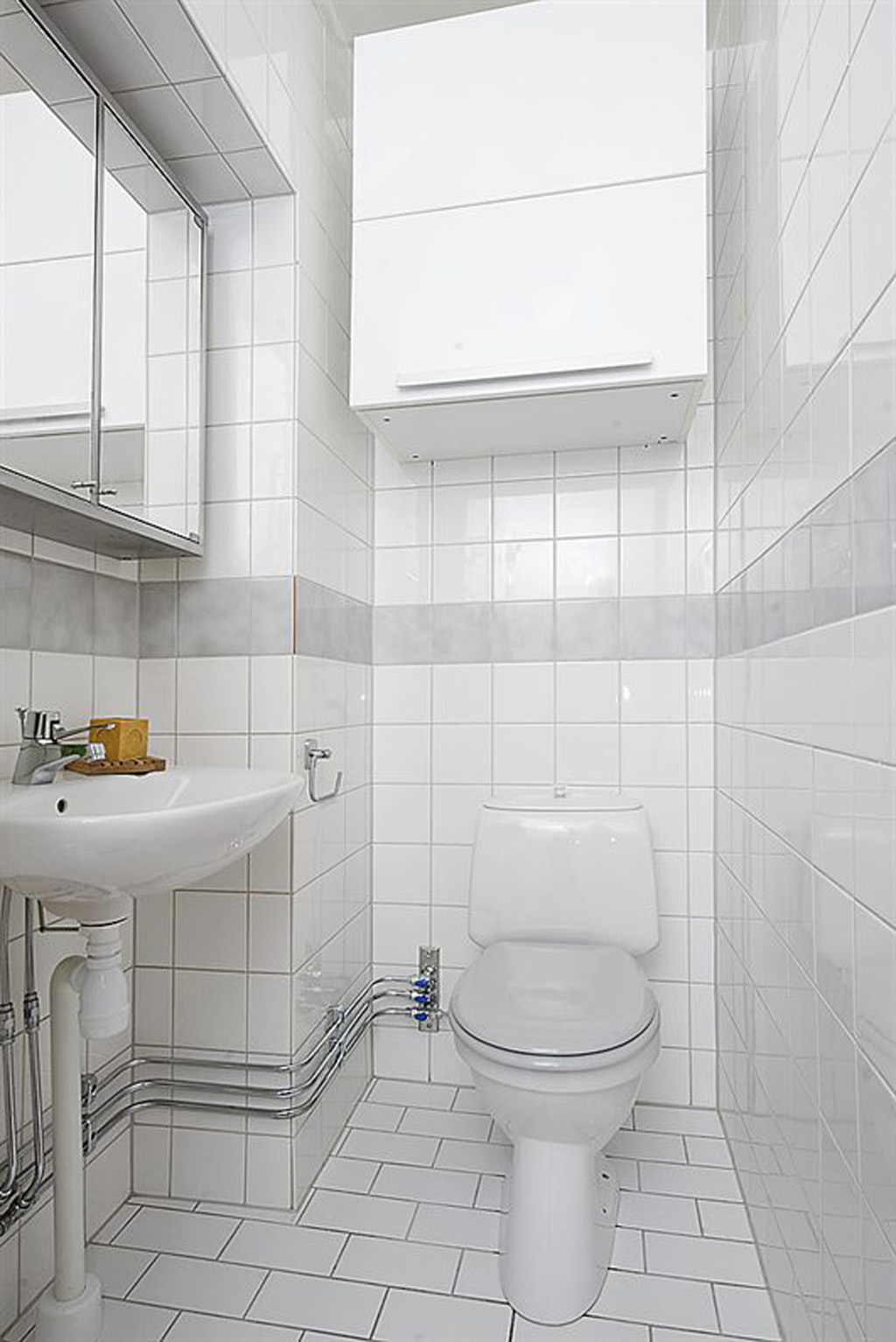 design on traditional white bathroom best decoration ogee edge